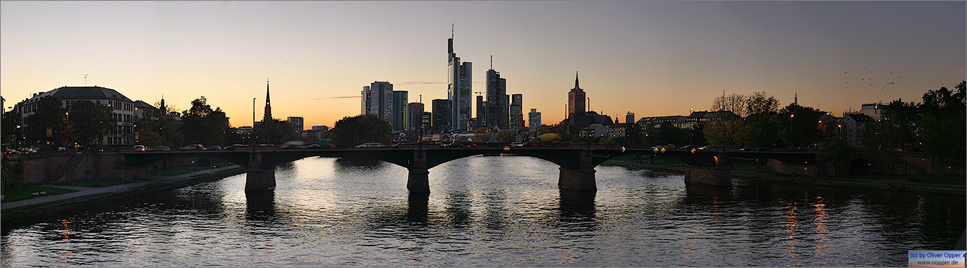 Panorama Frankfurt - Skyline - p058 - (c) by Oliver Opper