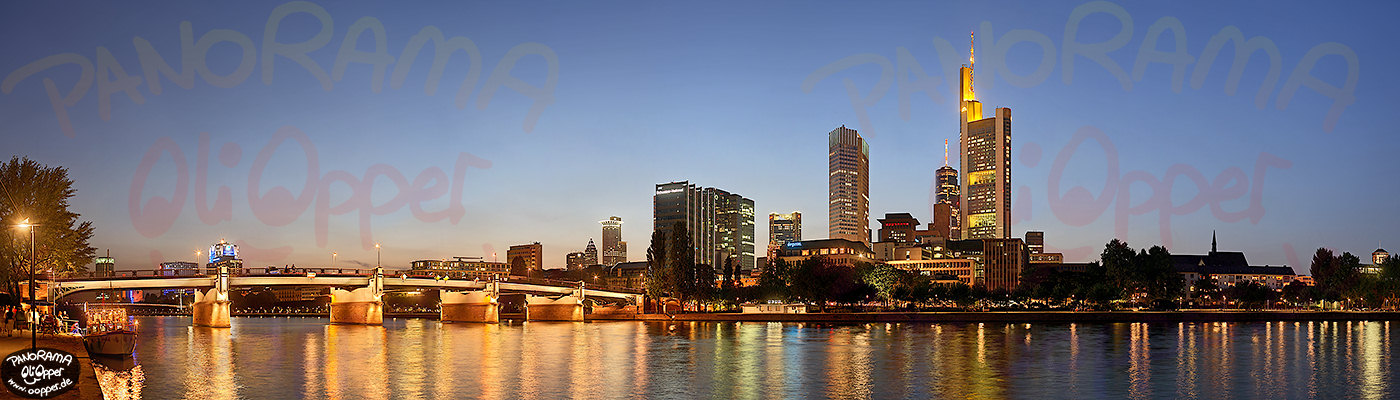 Panorama Frankfurt Skyline - p130 - (c) by Oliver Opper
