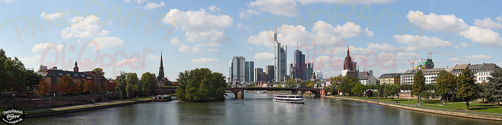 Panorama Frankfurt - Skyline am Tag - p304 - (c) by Oliver Opper