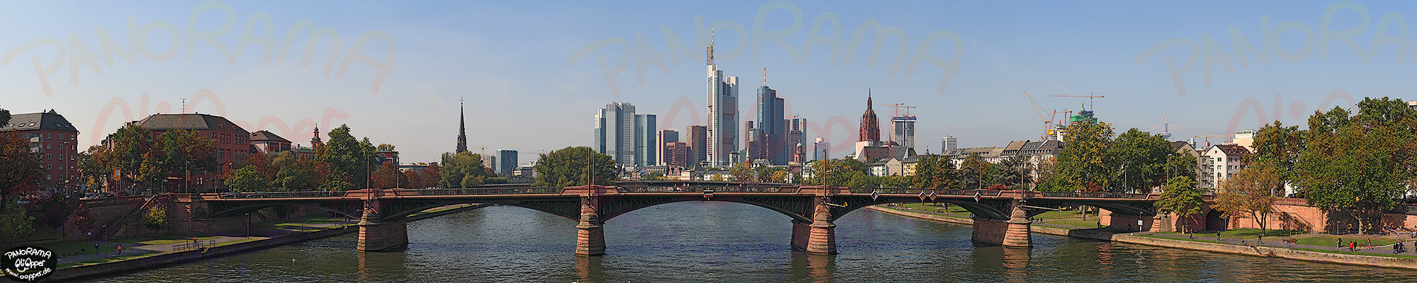 Panorama Frankfurt - Skyline am Tag - p308 - (c) by Oliver Opper