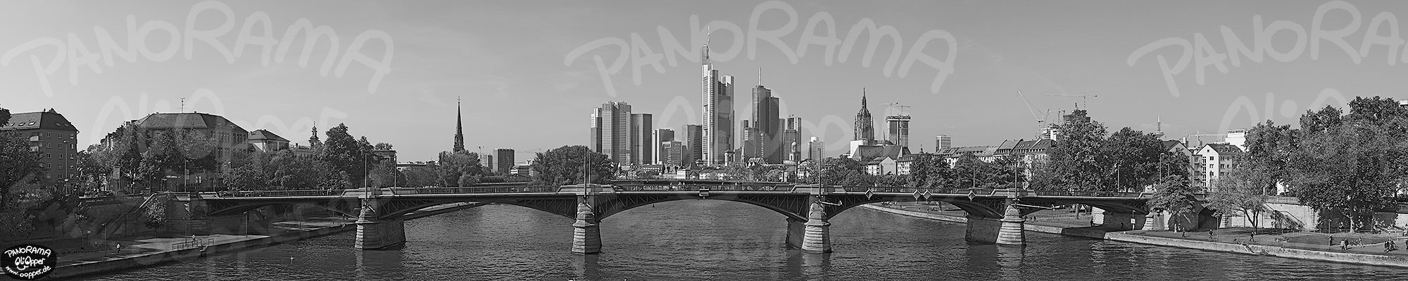 Panorama Frankfurt - Skyline am Tag - p8308 - (c) by Oliver Opper