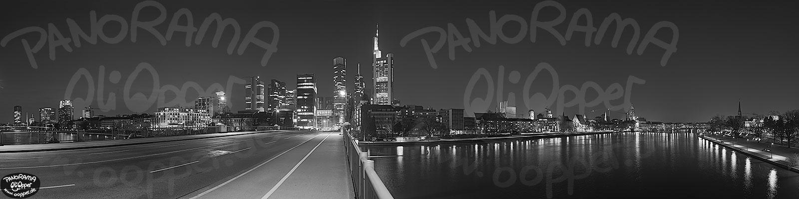 Frankfurt  schwarzweiß  Nacht  p8425  (c) by Oliver Opper