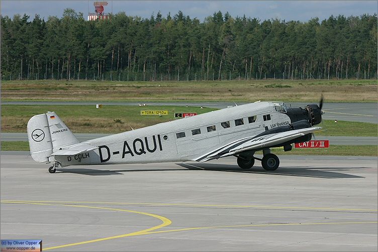 Junkers Ju52 - (c) by Oliver Opper