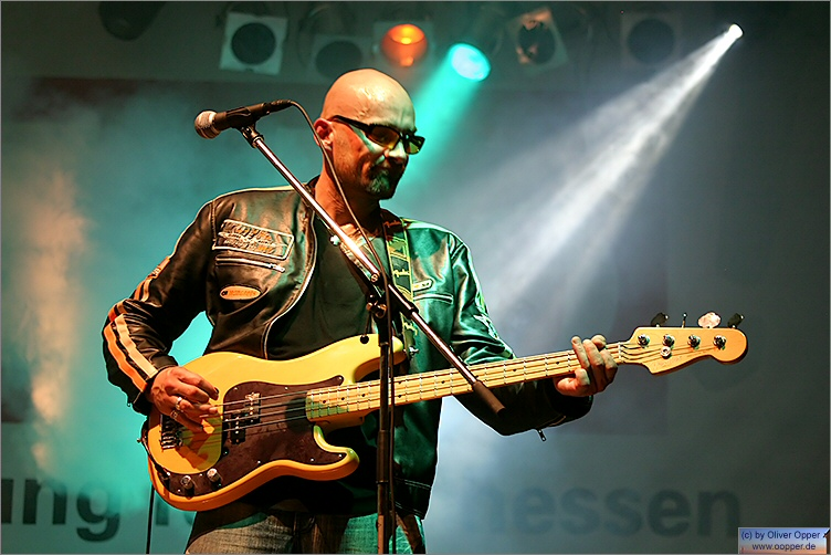 Schlossgrabenfest 2005 - Tommy and the Moondogs - (c) by Oliver Opper