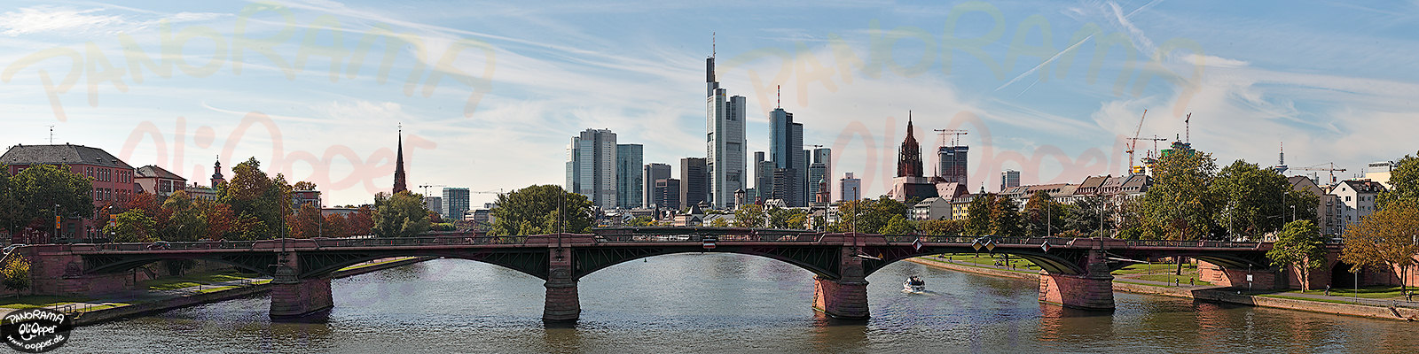 Panorama Frankfurt - Skyline am Tag - p299 - (c) by Oliver Opper